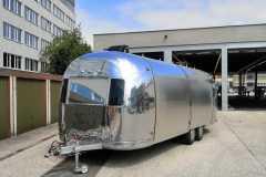 Airstream Mobile Stage - Mobile Bühne beim TÜV
