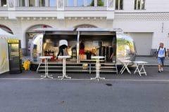 Airstream Mobile Stage lesbisch schwules Stadtfest Berlin Aufbau