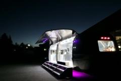 Airstream Mobile Gastro Stage Bühne Bar außen Nacht Event Marketing Roadshow 2