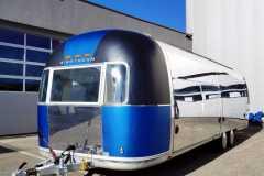 Airstream Mobile Gastro Stage außen links