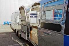 Airstream Mobile Gastro Stage außen rechts