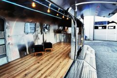 Airstream Gastro Stage Offen Treppen LED 1
