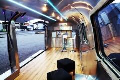 Airstream Mobile Gastro Stage Bühne Bar Innen Front Event Marketing Roadshow