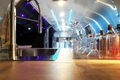 Airstream Mobile Gastro Stage Bühne Bar Innen Küche Event Marketing Roadshow