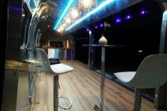 Airstream Mobile Gastro Stage Bühne Bar Innen Nacht Küche Event Marketing Roadshow