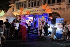 Airstream Mobile Stage lesbisch schwules Stadtfest Berlin UV Licht