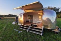 Airstream-Safari-Mobile-Stage-Sunset-4