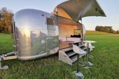 Airstream-Safari-Mobile-Stage-Sunset-8