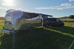 Airstream-Safari-Mobile-Stage-Sunset