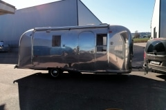 Airstream Safari Mobile Stage Umbau Außen Dichtheitsprüfung