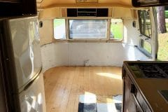 Airstream-Souvereign-1972-innen-front
