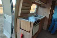 Airstream Sovereign 1983 28ft Verkauf Küche-2