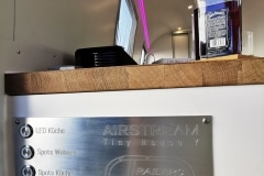 Airstream Tiny Home Kaufen Verkauf Wohnwagen Licht LED Konsole Bedienelement Bootsschalter