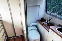 Airstream Living Tiny Home Kaufen Verkauf Wohnwagen Bad Komposttoilette