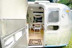 Airstream Ambassador 1976 Tiny House Eingang