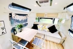 Airstream Ambassador 1976 Tiny House Loungebereich Sofa