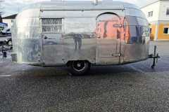Airstream 1949 Eingang Front rechts-3