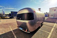 Foodtrailer ETY6 Airstream Lookalike außen rechte Seite