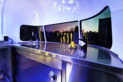Foodtrailer ETY6 Airstream Lookalike Front Waschbecken Gastro Theke Edelstahl Innenraum 3