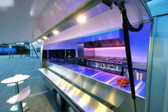 Foodtrailer ETY6 Airstream Lookalike Klappe Gastro Theke außen Detail LED Beleuchtung 5