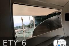 ETY 6 Foodtrailer innen Verkaufsklappe 1