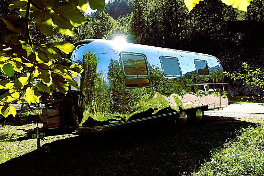 Airstream Wohnwagen Glamping Vermietung