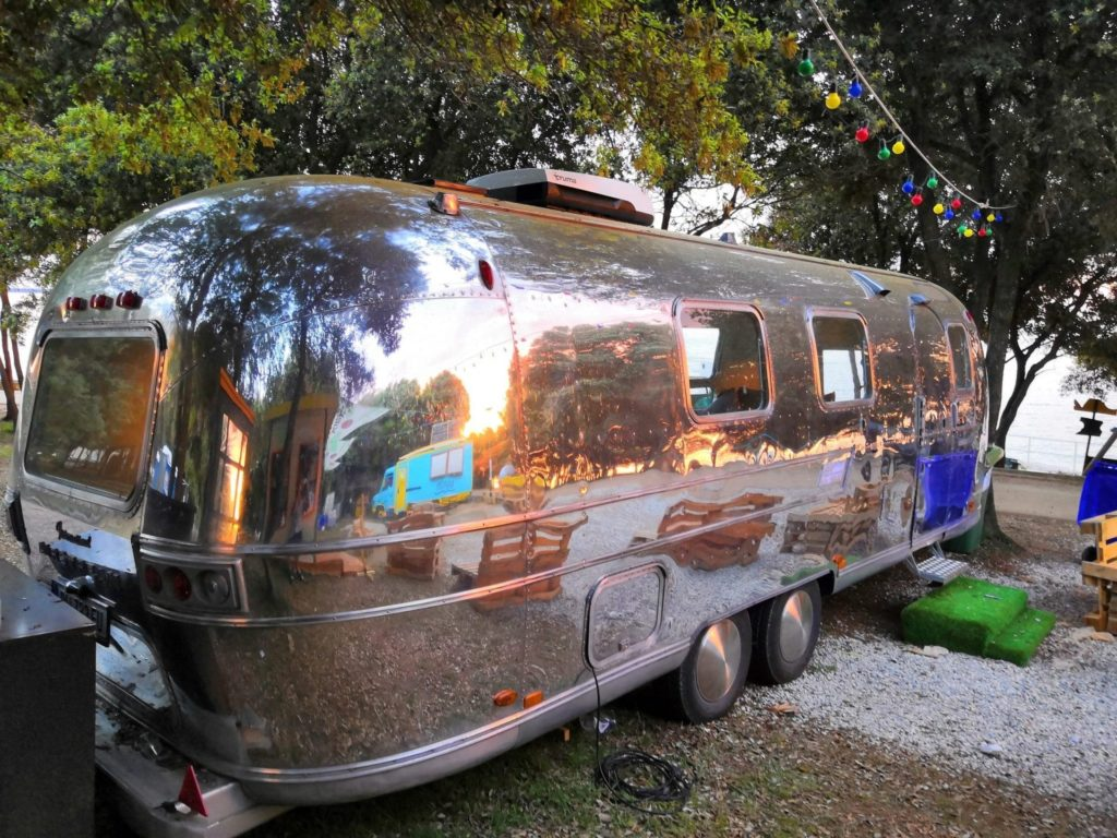 Airstream Mobile Lounge Mieten Vermietung LightHouse Festival