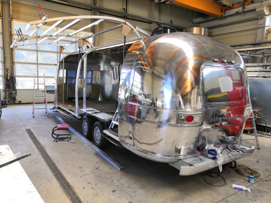 Airstream Mobile Stage - Mobile Bühne