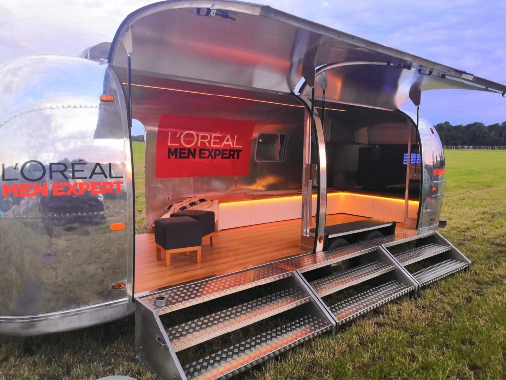 Airstream Mobile Stage Vermietung Eventtrailer