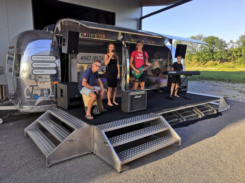 Airstream Mobile Stage Mobile Bühne für DJ Konzerte usw.