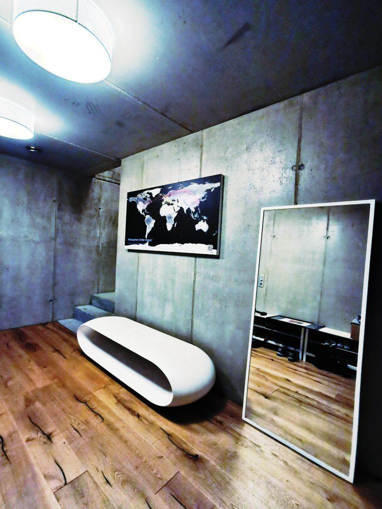 Serralunga Loop Design Outdoor Bank