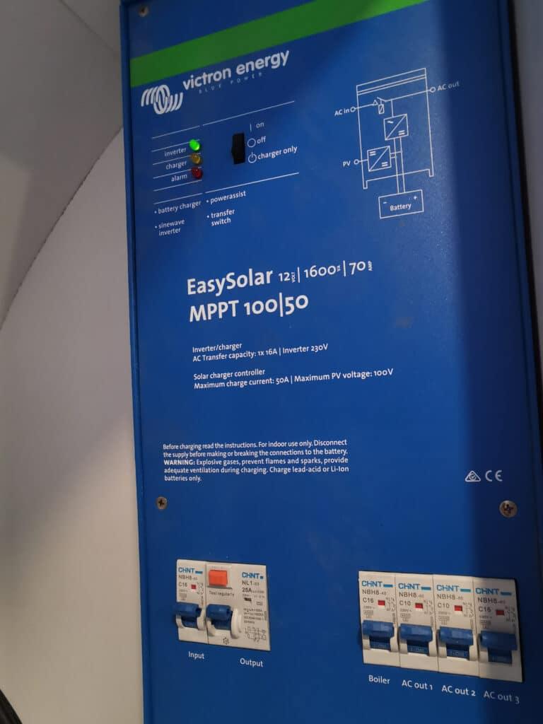 Airstream Tiny Home zentrale Stromversorgung Photovoltaik