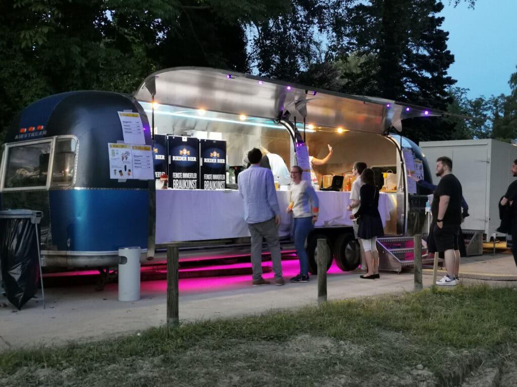 Airstream Mobile Gastro Stage Konzert Kultur im Keller in Ried